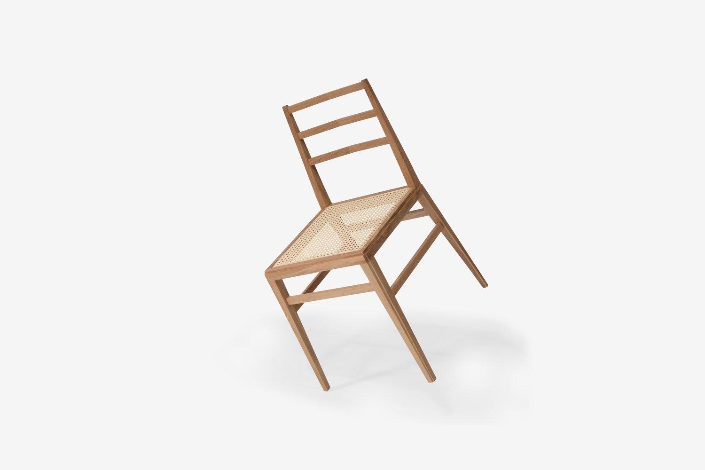 Fuschini fabrica la silla de madera más ligera del mundo
